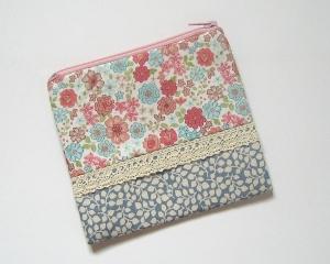 Mäppchen, Reißverschluss-Etui  für Kosmetik und andere Kleinigkeiten, so praktisch für die Handtasche  - Handarbeit kaufen