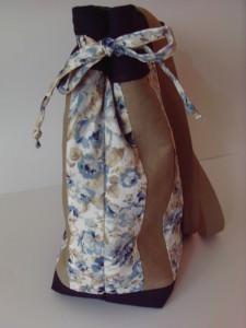 Schultertasche aus Baumwollstoff in Handarbeit genäht