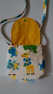 Mädchentasche aus Baumwollstoff genäht