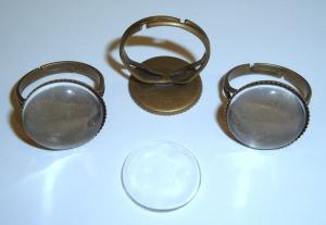 3 gezackte Ringrohlinge mit 16mm Glascabochons