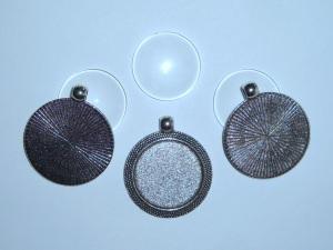 3 Anhängerfassungen mit 25mm Glascabochons
