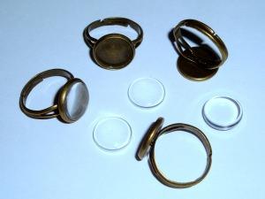 4 Ringrohlinge bronzefarben mit 12mm Glascabochon