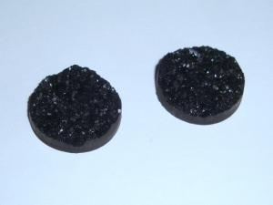 2 Cabochons aus Resin, 18mm, schwarz