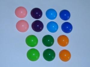 14 bunte Kunststoff-Cabochons, 12mm