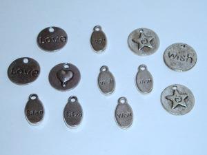 12 Metallanhänger/Charms, antiksilberfarben
