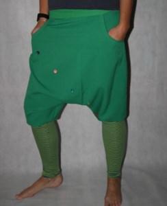 Knickerbocker grüne Pumphose gestreifte Stulpen Haremshose Saruel - Handarbeit kaufen