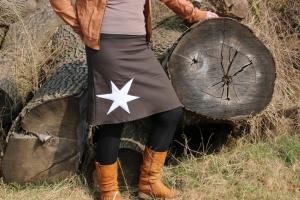 brauner Jeans Rock, Stern,  Ausgestellter Rock, knielanger Rock - Handarbeit kaufen