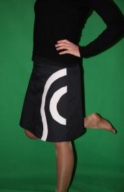 Rock A- Form schwarz trifft weiß Kreisel black skirt - Handarbeit kaufen