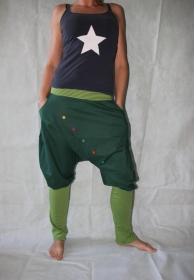 Pumphose Knickerbocker gestreifte Stulpen grüne Haremshose pants
