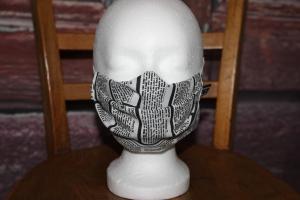 Mundbedeckung Maske Mundmaske Mund-  und Nasenbedeckung schwarz weiß Zeitung