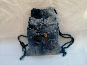 Festival-/Turnbeutel - Upcycled Jeans - reflektierende Rückseite - Used look - Handarbeit kaufen