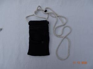 Upcycled Black-Jeans-Handytasche mit Kordel - Handarbeit kaufen
