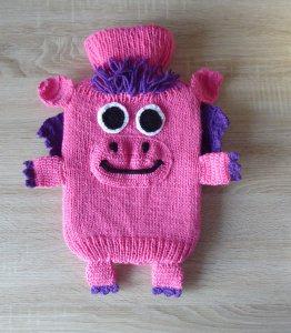 Gestrickter Wärmflaschenbezug - Drache - lila-pink  - inkl. Wärmflasche