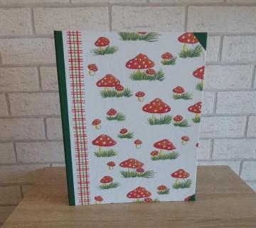 Handgefertigtes Ringbuch für DIN A4 aus Pappe, Papier und Buchleinen - FliPi - Handarbeit kaufen