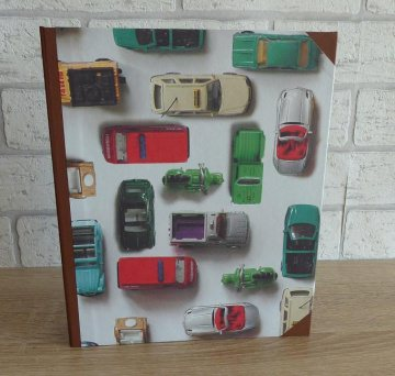 Handgefertigtes Ringbuch für DIN A5 aus Pappe, Papier und Buchleinen - Motiv: Autos - Handarbeit kaufen