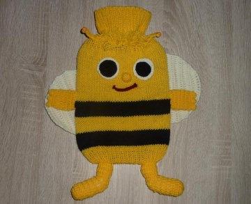Gestrickter Wärmflaschenbezug - Biene - gelb-schwarz, inkl. Wärmflasche