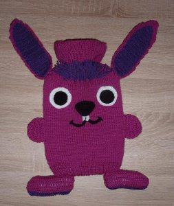 Gestrickter Wärmflaschenbezug - Hase - pink-lila  -  inkl.Wärmflasche - Handarbeit kaufen