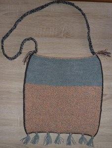 Handgestrickte Schultertasche mit Franseln - orange-grau - Handarbeit kaufen