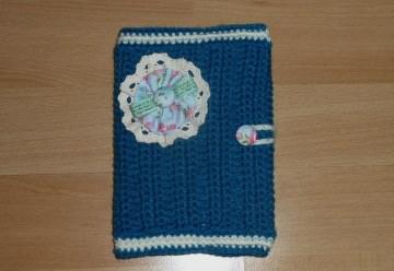 Umhäkeltes Notizbuch mit Stoffblume (türkis-wollweis) - Handarbeit kaufen