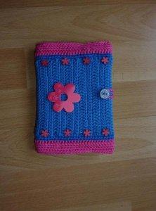 Umhäkeltes Notizbuch mit Blumen - blau-pink - Handarbeit kaufen
