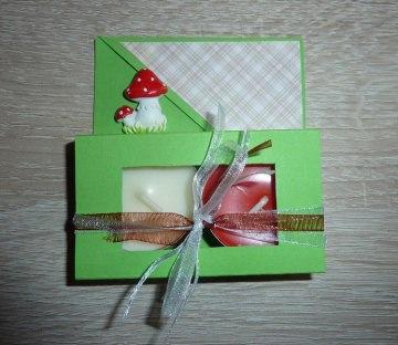 Teelichtgeschenkset mit zwei Teelichtern - grün-rot - Handarbeit kaufen