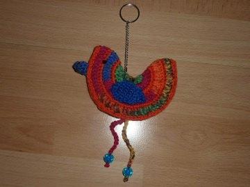 gehäkelter Taschenanhänger - Vogel - bunt - Handarbeit kaufen