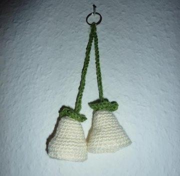 gehäkelter Taschenanhänger - Glockenblume - wollweiß - Handarbeit kaufen
