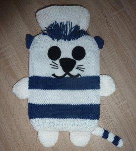 Gestrickter Wärmflaschenbezug - Katze - blau-weiß -  inkl.Wärmflasche - Handarbeit kaufen
