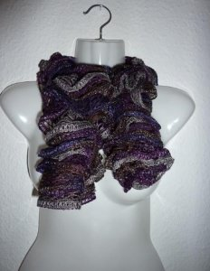 eleganter, gestrickter Schal aus Netzgarn - grau-lila-braun