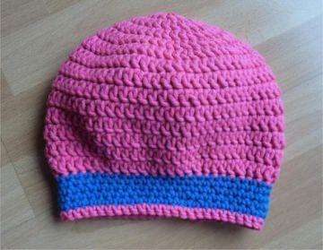gehäkelte Mütze - pink-blau