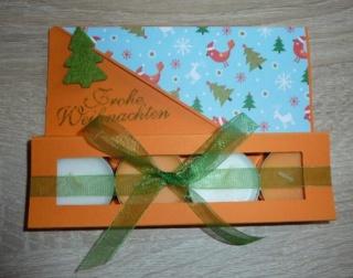 Teelichtgeschenkset mit vier Teelichtern - orange-blau-grün TEXT Frohe Weihnachten
