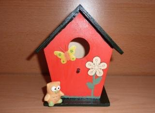 bemaltes Holzvogelhaus mit Dekoration - Handarbeit kaufen