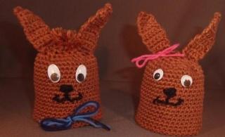 zwei gehäkelte Eierwärmer - Hasen - braun - Handarbeit kaufen