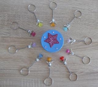 Zehn handgefertigte Schlüsselanhänger mit Metallflügeln - Engel inkl. Geschenkschachtel - Handarbeit kaufen