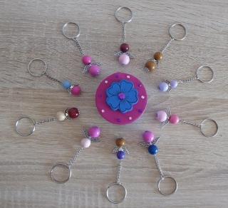 Zehn handgefertigte Schlüsselanhänger mit Metallflügeln - Engel inkl. Geschenkschachtel