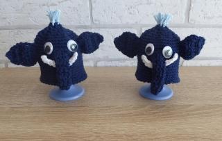 2 gehäkelte Eierwärmer - Elefanten mit Eierbecher - dunkelblau-weiß - Handarbeit kaufen