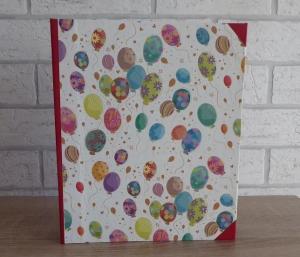 Handgefertigtes Ringbuch für DIN A5 aus Pappe, Papier und Buchleinen - Motiv: Luftballons (bunt)