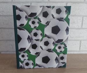 Handgefertigtes Ringbuch für DIN A5 aus Pappe, Papier und Buchleinen - Motiv: Fußball - Handarbeit kaufen