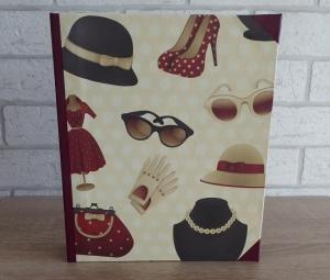 Handgefertigtes Ringbuch für DIN A5 aus Pappe, Papier und Buchleinen - Motiv: Mode (Hüte, Kette, Sonnenbrillen, Schuhe, Taschen, Kleider, Handschuhe) - Handarbeit kaufen