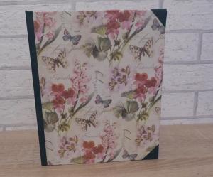 Handgefertigtes Ringbuch für DIN A5 aus Pappe, Papier und Buchleinen - Motiv: Schmetterling