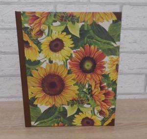 Handgefertigtes Ringbuch für DIN A5 aus Pappe, Papier und Buchleinen - Motiv: Sonnenblumen