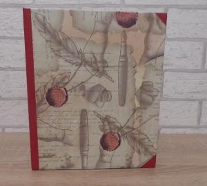 Handgefertigtes Ringbuch für DIN A5 aus Pappe, Papier und Buchleinen - Motiv: Feder, Füller, Tinte, Papier