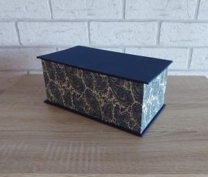 Handgefertigte Geschenkverpackung aus Pappe, Papier und Buchleinen - blau-weiß-grün