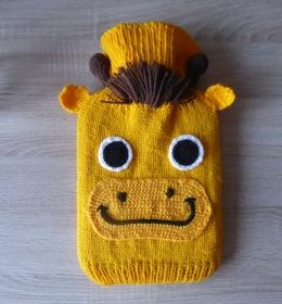 Gestrickter Wärmflaschenbezug - Giraffe