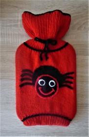 Gestrickter Wärmflaschenbezug mit Spinnenmotiv-  inkl.Wärmflasche - Handarbeit kaufen