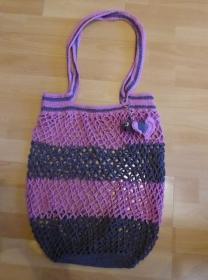 Handgehäkeltes Einkaufsnetz/Einkaufstasche mit Taschenbaumler Fisch (brombeer-grau) - Handarbeit kaufen