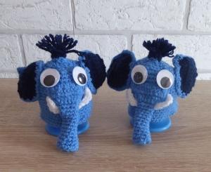 2 gehäkelte Eierwärmer - Elefanten mit Eierbecher - blau