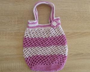 Kleines, handgehäkeltes Einkaufsnetz/Einkaufstasche mit Blümchen (rosa-pink)