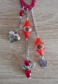 Taschenanhänger/Taschenbaumler aus Perlen und Metallketten mit Engelchen (rot-silber) - Handarbeit kaufen