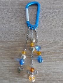 Taschenanhänger/Taschenbaumler aus Perlen und Metallketten mit Engelchen (blau-silber-orange)